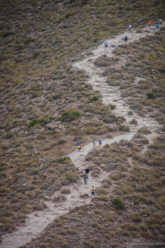 Sendero de la Playa de los Muertos desde el mirador