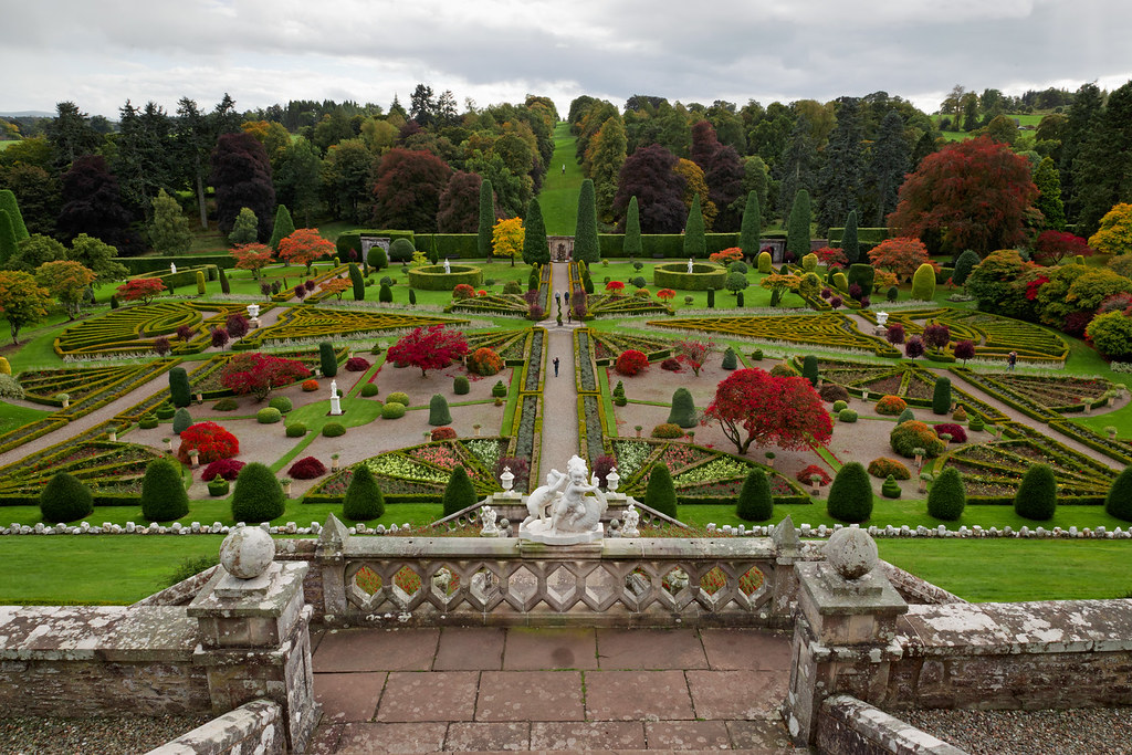 Drummond Castle Gardens Autumn view Drummond Castle G Flickr