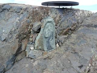 Statue de San Petru sur le sommet secondaire sous le panoramique