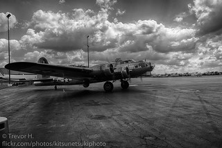 B17 Flying Fortress HDR 1 Black and White | by Kenjis9965