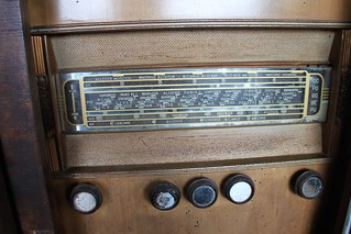 radio traces of the past | by Jeanne Menjoulet