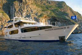 Barcos de buceo vida a bordo en Galápagos