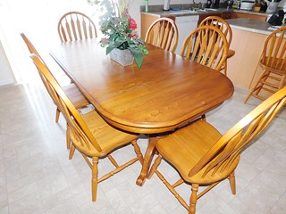 Oak dining room table & chairs | by thornhill3