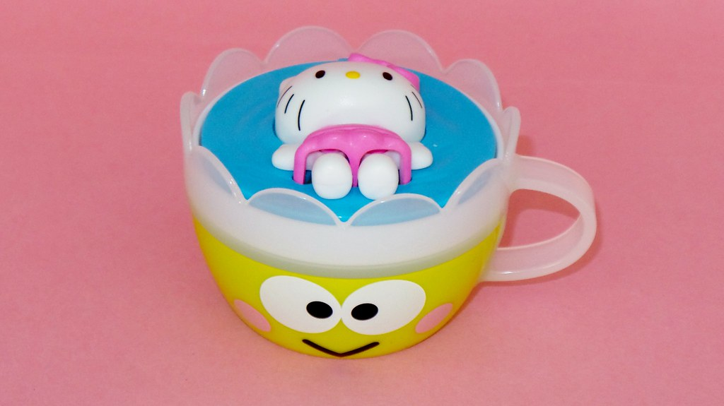 Hello Kitty Mcdonald S Toys : Mcdonald s happy meal toys australia august hello kitu flickr