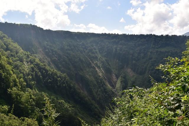 弥陀ヶ原の絶壁