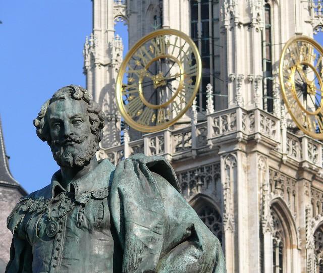 Estatua de Rubens en Flandes