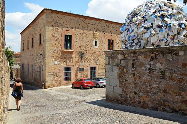 Book ball, casco histórico, Caceres, Extramadura