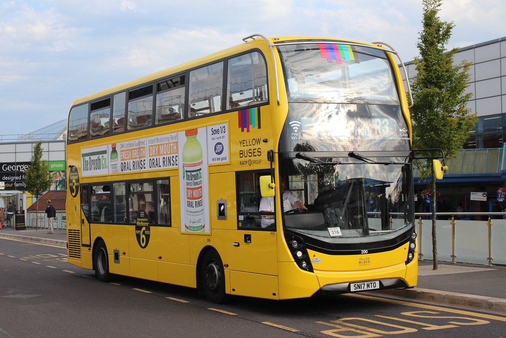 200 Sn17mto Ratp Yellow Buses Bournemouth Stn 22nd
