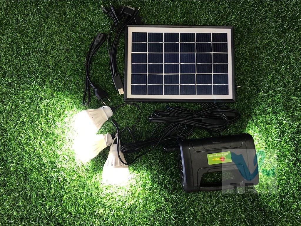 Portable Light Panels : Portable w solar lighting system c end  am