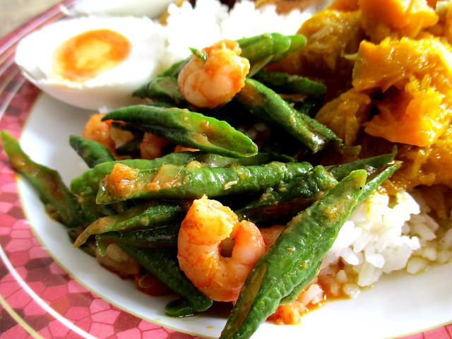 Choon Seng long beans with prawns