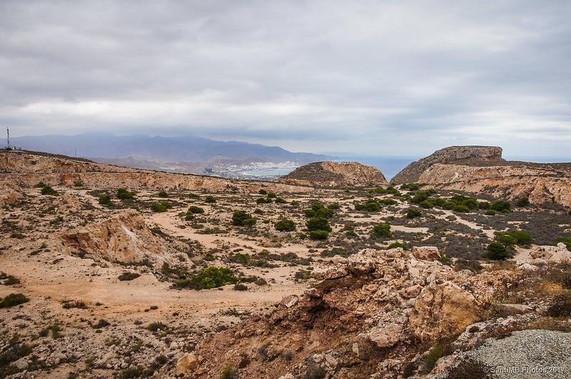 Carboneras desde la base de la Torre de Mesa Roldán.