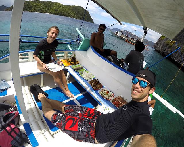 Una de las mejores cosas que hacer en Filipinas, una barbacoa en una bangka