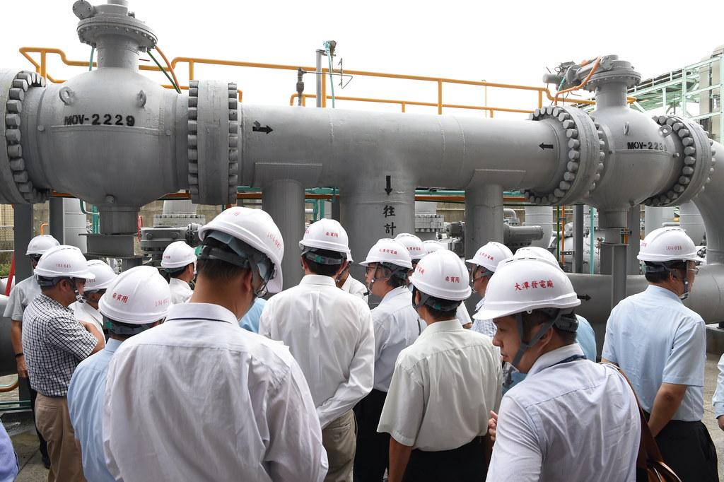 815停電事故行政調查專案小組於大潭電廠現地實勘照。圖片提供:行政院