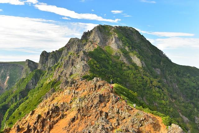 八ヶ岳テント泊登山 地蔵ノ頭から眺める横岳
