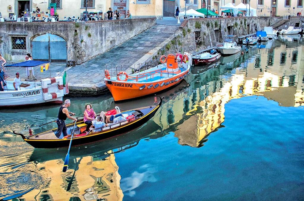 Livorno quartiere venezia le case altissime dalle for Case livorno