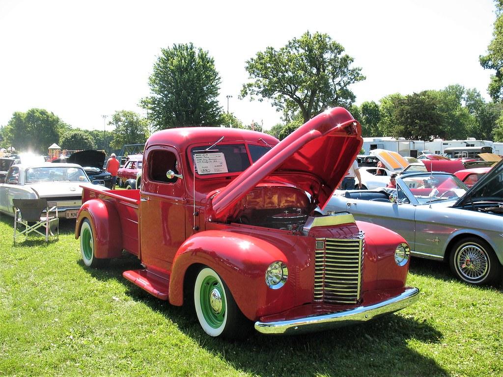 Resto-mod International | At the Walnut, Illinois Car Show, … | Flickr