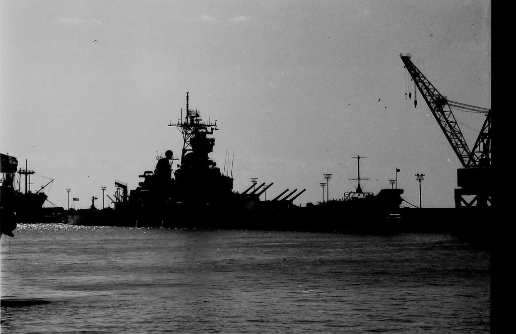 uss bb 61 iowa base naval de rota españa naval base st flickr