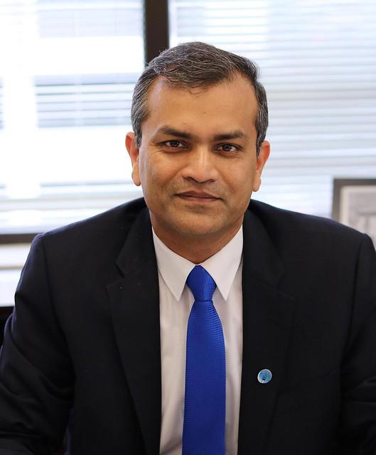 Portrait photo of Vimlendra Sharan