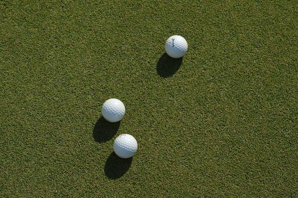 3 balls on 17 green at Keya GC