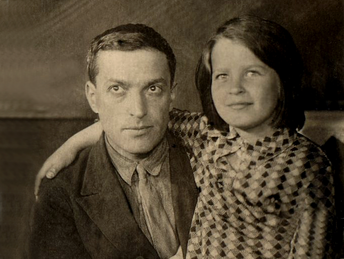 Lev Vygotsky y su hijaGita L. Vygotskaya.   © Unknown.