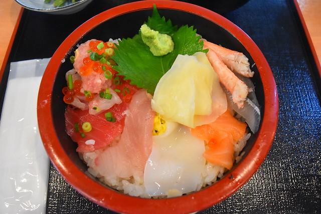 富山湾食堂撰鮮の海鮮丼