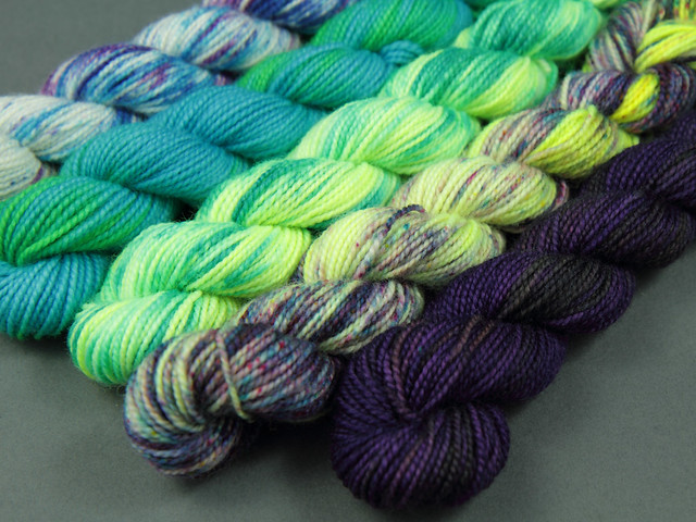 Sock mini skeins hand-dyed gradient/fade kit 100g 'Pool Party'