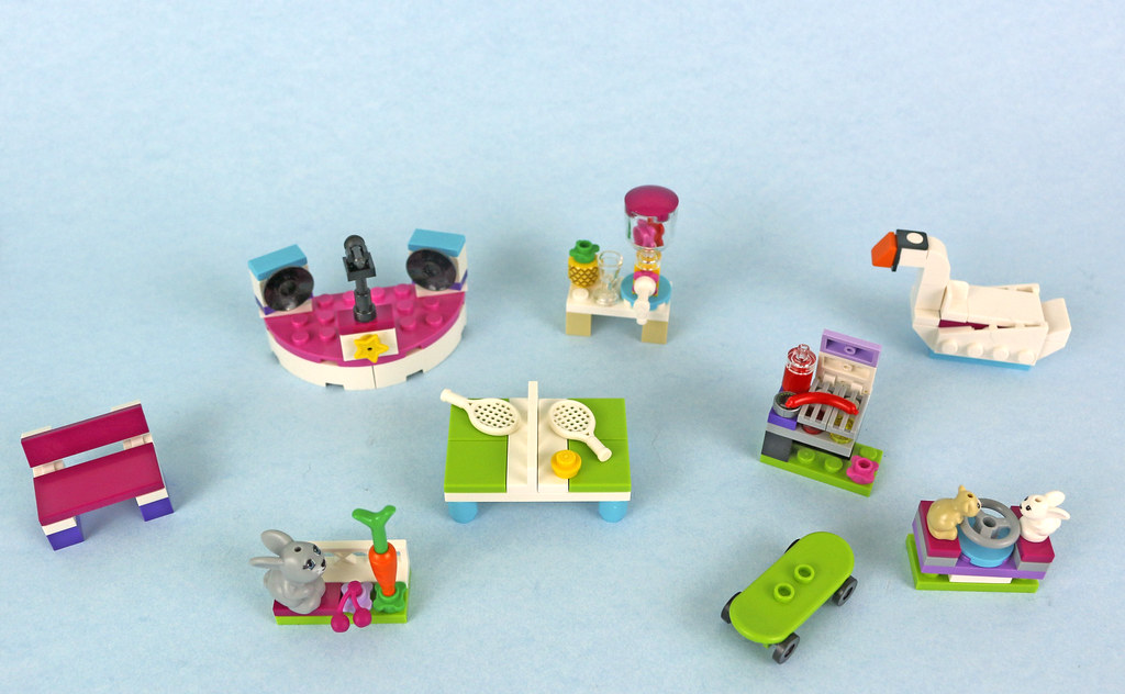 40264 Kit 121 pieces Lego Friends Build My Heartlake City Accessory Set
