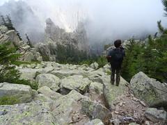 Col du chaînon de Pta di San Gio Agostinu : départ pour la descente vers le ravin du Santu