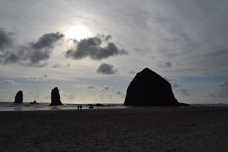 Cannon Beach, Oregon - Paseando por la playa al atardecer
