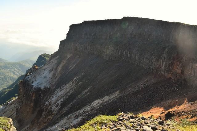 硫黄岳の火口