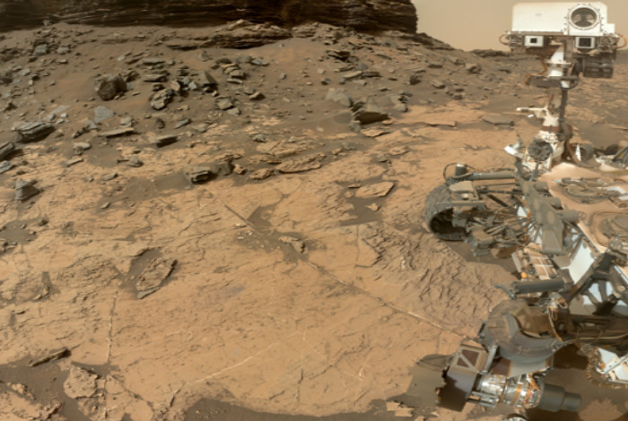 A selfie of the NASA Curiosity rover at the Murray Buttes in Gale Crater, Mars, a location where boron was found in light-toned calcium sulfate veins.