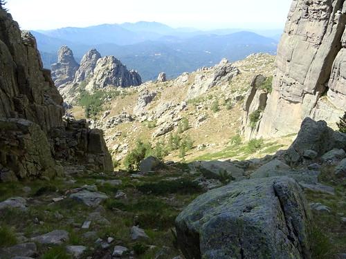 Bocca di u Chjostru (Collet des Belges) : la voie de montée depuis la variante du GR20