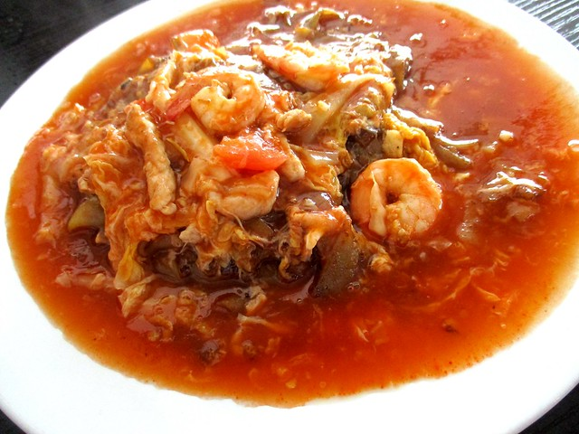 Yong Garden tomato kway teow 1