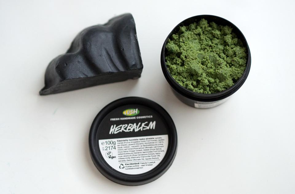 lush_herbalism_charcoal_akne