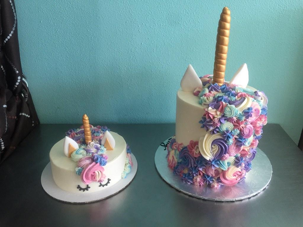 Unicorn Amp Baby Unicorn Cakes Back View Delicately