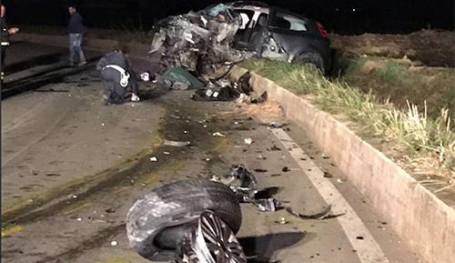 Battipaglia: terribile scontro nella notte tra due auto, muore un 57enne