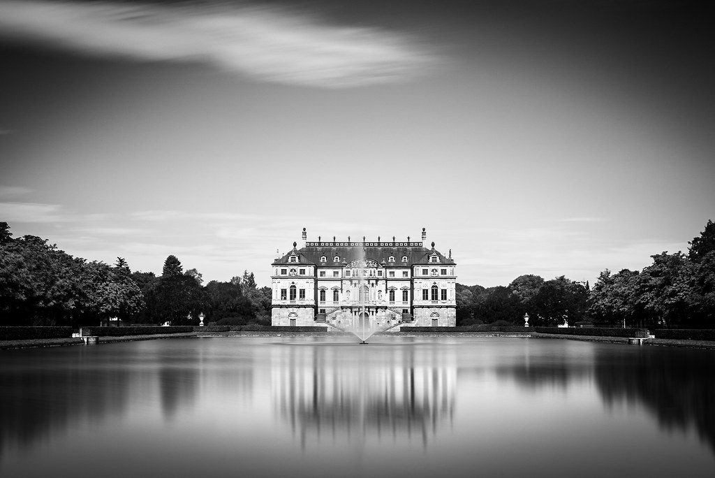 Summer Palace And Fountain In The Great Garten In Dresden Flickr