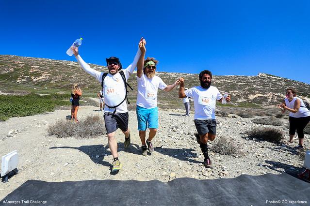 Ο Γιώργος Κλαουδάτος και η παρέα του από την Σχοινούσα, ταξίδεψαν με καγιάκ από την Σχοινούσα στην Αμοργό, έτρεξαν στο Amorgos Trail Challenge και απέδωσαν φόρο τιμής στους προγόνους τους που 150 χρόνια πριν έκαναν την αντίθετη πορεία για να βρουν έναν νέο τόπο για να ζήσουν!