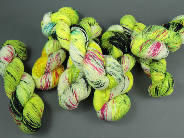 Favourite Sock – hand-dyed superwash merino 4 ply yarn 'High Speed Chase'