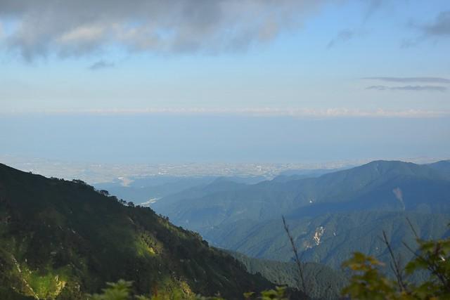 大日三山の稜線から見渡す日本海