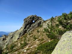 La roche percée caractéristique sous Bocca di u Pargulu sur la variante alpine du GR20