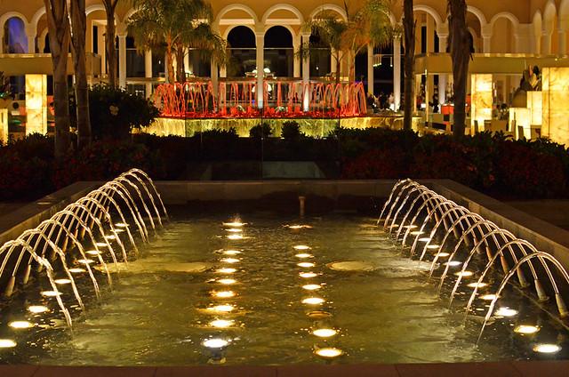 Dancing fountain, Gran Palacio de Isora, Alcala, Tenerife
