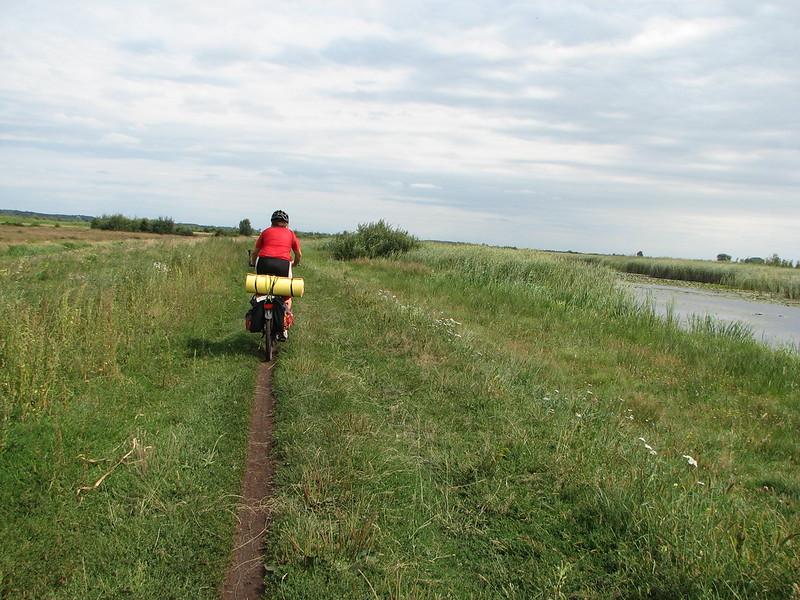 Дорога між Туром і Жиричами