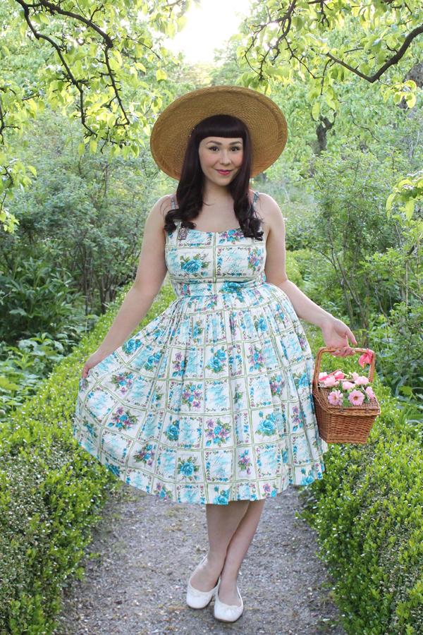 retrospecd dress