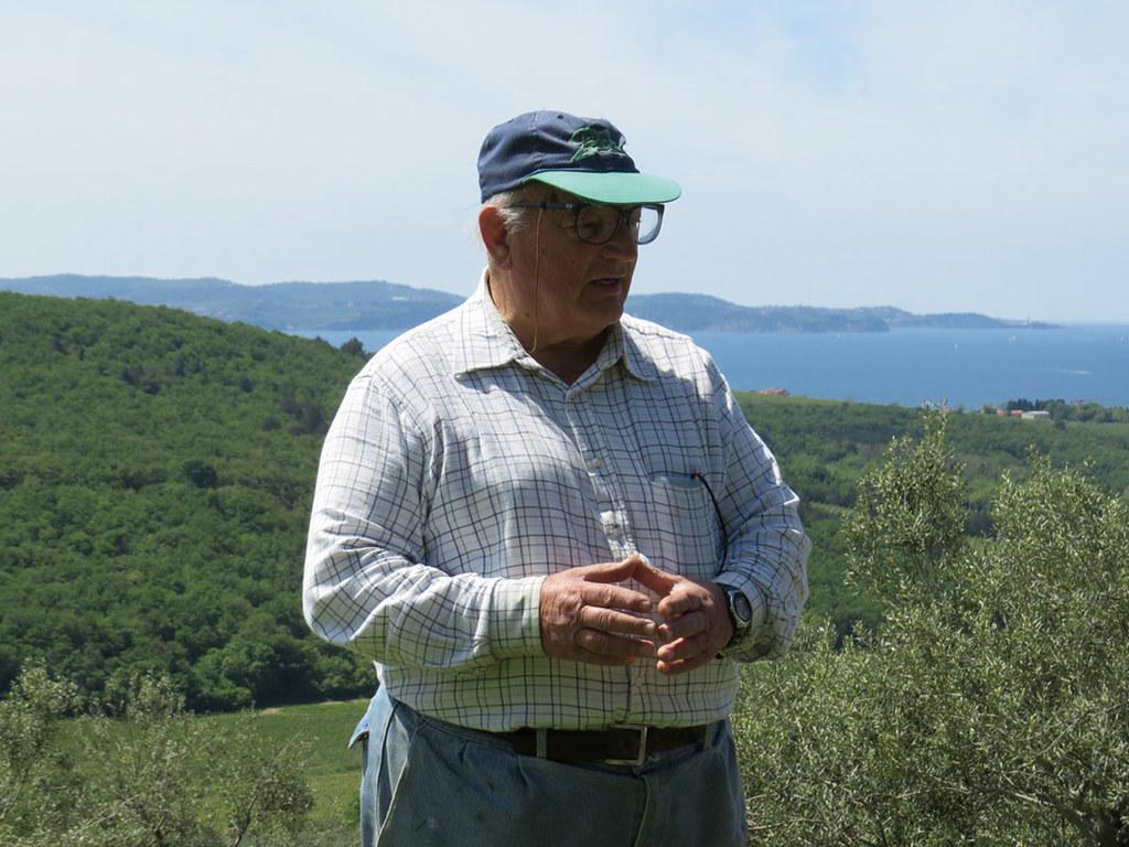 佛朗哥的農地坐落在海濱,地處多國邊境,曾發生戰火。