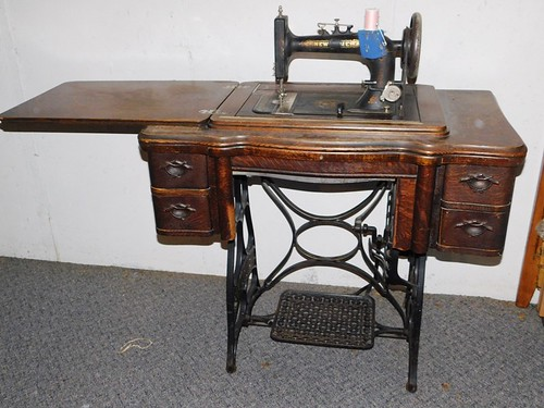 New Home treadle sewing machine | by thornhill3