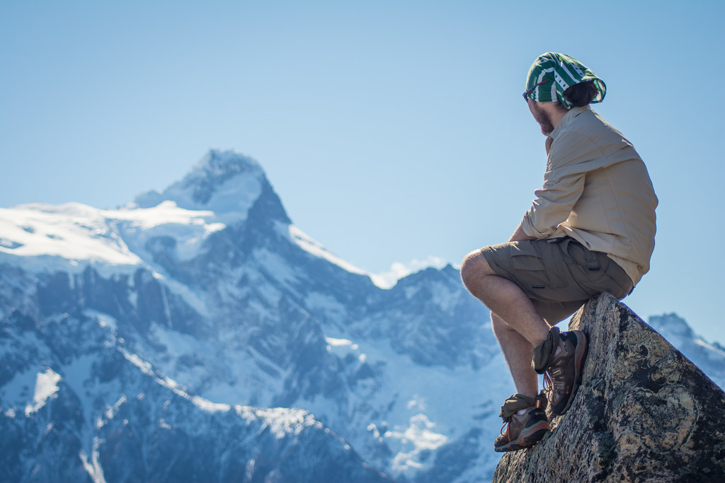 Whether it's sunny, hot, rainy, windy or cold, you'll always find a clever way to use your multifunctionnal headwear!