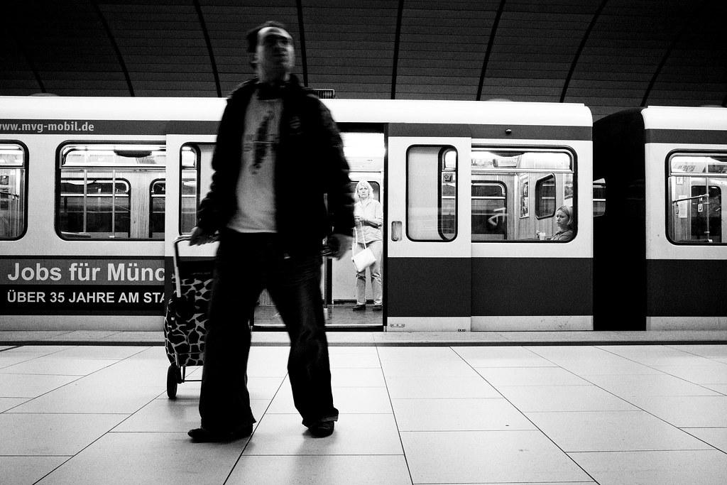 Untitled   Schauplatz U-Bahn