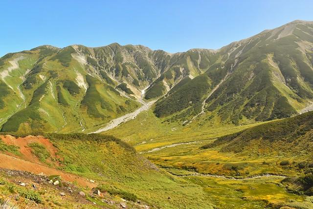 紅葉始まる北アルプス立山