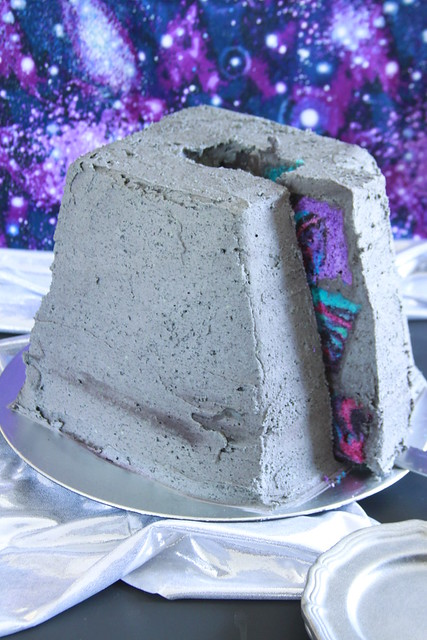 Ancient Alien Cake